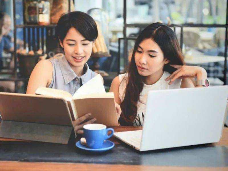 北大毕业生干中介双语女硕士做保姆 是人才浪费?